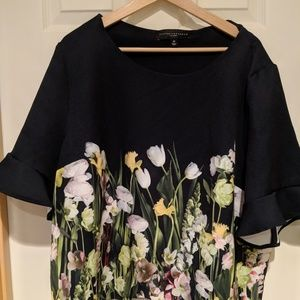 Victoria Beckham floral top, Size 2X